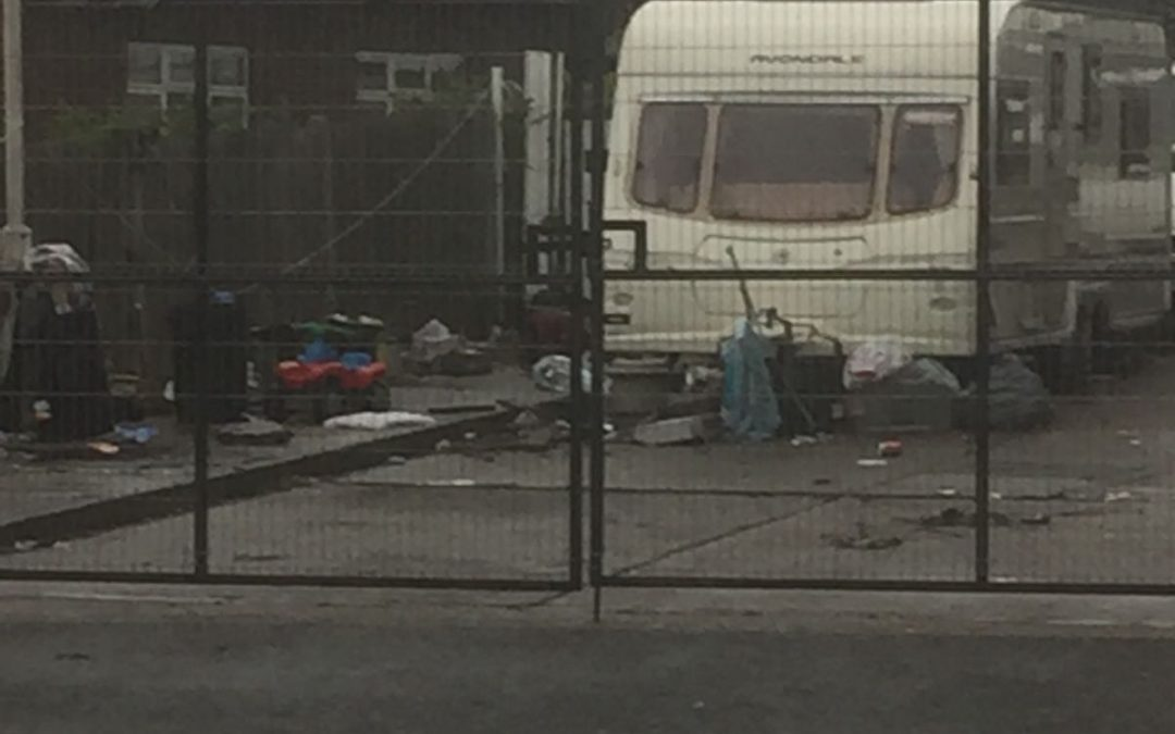 Travellers at Evans Auto site